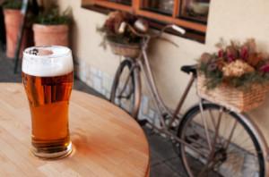 Auch ein Alkoholverbot auf dem Fahrrad hat Konsequenzen.