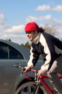 Radfahrer müssen an einem Grünpfeil besonders vorsichtig sein