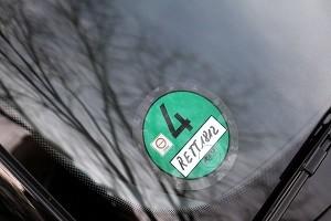 Eine grüne Plakette