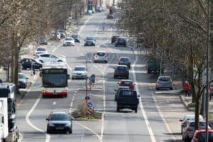Die Lenkzeiten für den Busfahrer im normalen städtischen Buslinienverkehr fallen nicht in die Verordnung EG 561/2006.