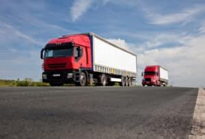 Der Sicherheitsabstand sollte vom Lkw insbesondere im Baustellenbereich eingehalten werden.