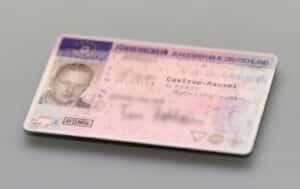 Auf dem Führerschein ist die Klasse angegeben, für die Sie berechtigt sind, ein Fahrzeug zu führen.