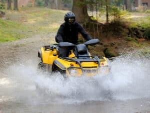 In der aktuellen Übersicht der Führerscheinklassen finden sich Quads und Mofas nicht. Für sie gibt gesonderte Führerscheine.