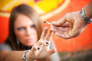 Ein Drogentest kann mit einem Speichel-, Urin oder Schweißtest erfolgen.