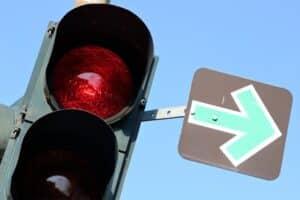 Verkehrseinrichtungen sind Teil der allgemeinen Straßenausstattung und gehören zu den Verkehrszeichen.
