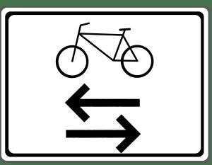 Das Zusatzzeichen 1000-32 kann über dem Verkehrszeichen angebracht sein.