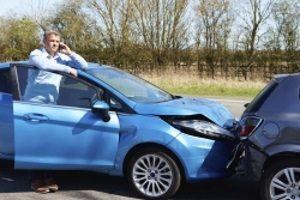 Haben Sie mit dem Auto einen Auffahrunfall, ist einiges im Anschluss zu beachten.