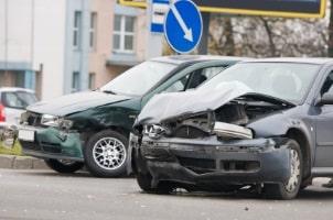 Ein Unfallschaden verursacht eine Wertminderung eines Fahrzeugs.