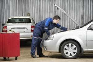Die Höhe der Wertminderung bei einem Unfall hängt unter anderem von den Reparaturkosten ab.