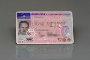 Den Führerschein gibt es ohne MPU nicht nach 10 Jahren zurück. Meistens müssen Sie fünf weitere Jahre auf die Neuerteilung warten.