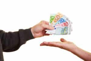 Geldstrafe statt Fahrverbot? Dies muss individuell entschieden werden.