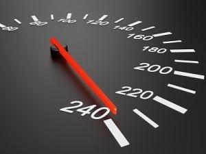 Punkte: Der Katalog sieht bei einer hohen Geschwindigkeitsüberschreitung Punkte in Flensburg vor.