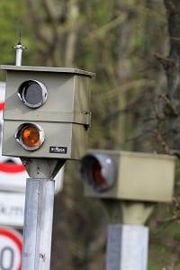 Radaranlagen setzt die Polizei ein, um Verkehrssünder zu fassen.