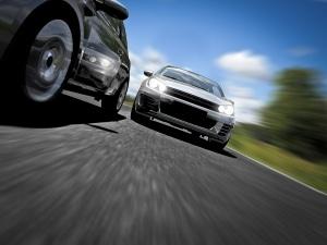 Geschwindigkeitsmessung durch Nachfahren: Die Polizei misst mobil auf der Autobahn.