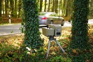 Mehr noch als sein Vorgänger, eignet sich der Traffipax SpeedoPhot für die mobile Geschwindigkeitsmessung.