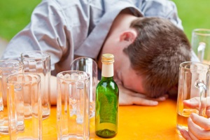 Alkoholgrenze überschritten: Das Auto sollte ab 0,5 Promille stehen gelassen werden.