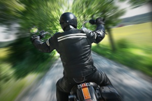Ist die Promillegrenze für Motorrad- und Autofahrer gleich?