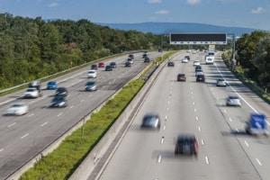 Autobahn: Eine Mindestgeschwindigkeit in Deutschland gibt es hier normalerweise nicht.