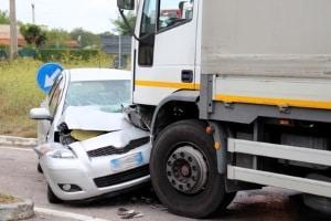 So können Sie einem Unfall mit einem Geisterfahrer vorbeugen.