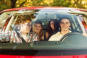 Die Anschnallpflicht in Deutschland gilt für Fahrer und Mitfahrer.