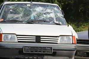 Wenn es auf der Dienstreise mit dem Privat-Pkw zum Unfall kommt, haftet nicht immer der Arbeitgeber.