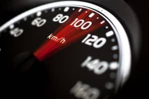 Mit dem ESO ES 1.0 wird die Geschwindigkeit von Fahrzeugen gemessen.