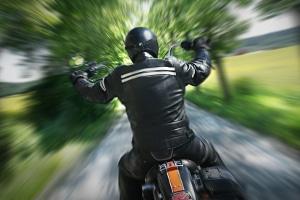 Geblitzt mit dem Motorrad? Blitzer können von vorne und von hinten zuschlagen.
