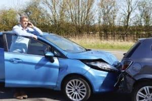 Die Angaben zum Unfallhergang sollten die Namen der Fahrzeugführer enthalten.