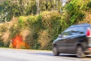 Wie lässt sich die Geschwindigkeit am Auto ermitteln oder messen?