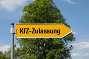 Das Kurzzeitkennzeichen können Sie bei der Zulassungsstelle Ihres Wohnortes oder des Kfz-Standortes beantragen.