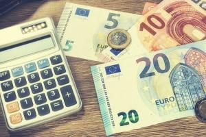 Faire Berechnung: Durch den Tagessatz wird die Geldstrafe an die wirtschaftlichen Verhältnisse des Täters angepasst.