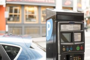 Ab wann droht ein Bußgeld, wenn der Parkschein überzogen ist?