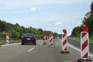 Verengte Fahrbahn: Durch das Reißverschlussverfahren lässt sich die Staugefahr reduzieren.